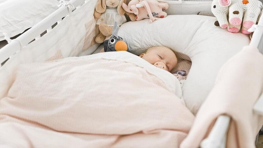 آموزش نکات ایمنی برای خواب نوزاد