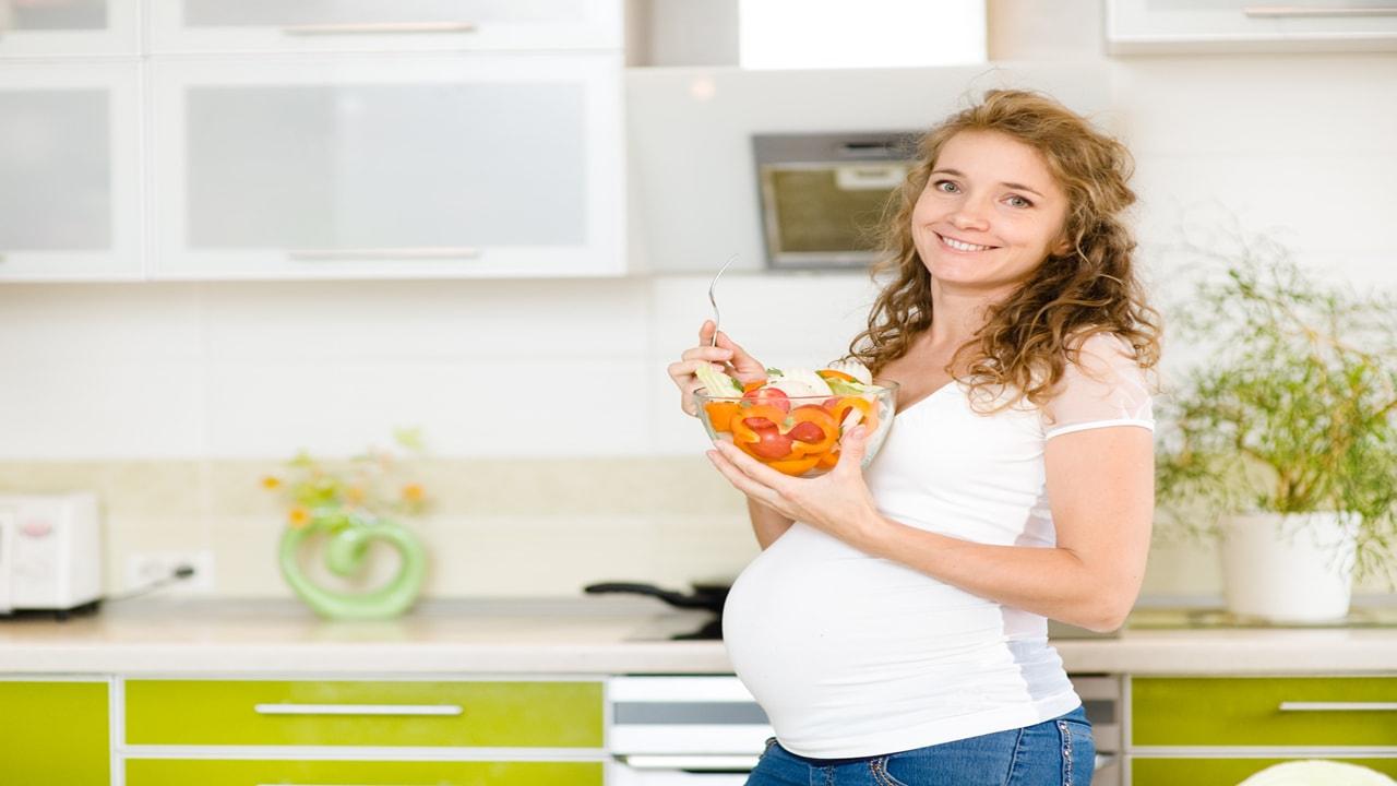 عدم نیاز به زایمان سزارین با تغذیه سالم و ورزش کردن  نی نی پلاس