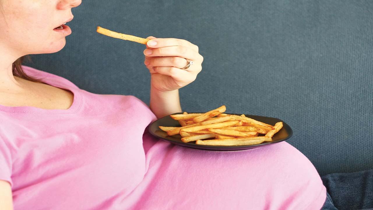 تاثیر رژیم غذایی ناسالم بر بارداری