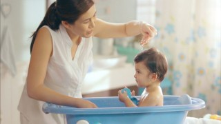 کاهش تب در نوزادان نی نی پلاس