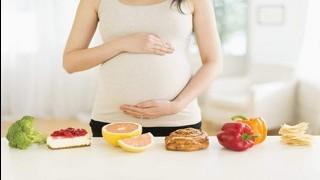 نکته تندرستی: دریافت کالری مورد نیاز در دوران بارداری نی نی پلاس