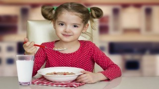 مصرف بی رویه شکر در وعده صبحانه  نی نی پلاس
