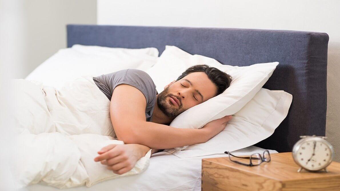 ارتباط خواب و پدر شدن زودهنگام نی نی پلاس