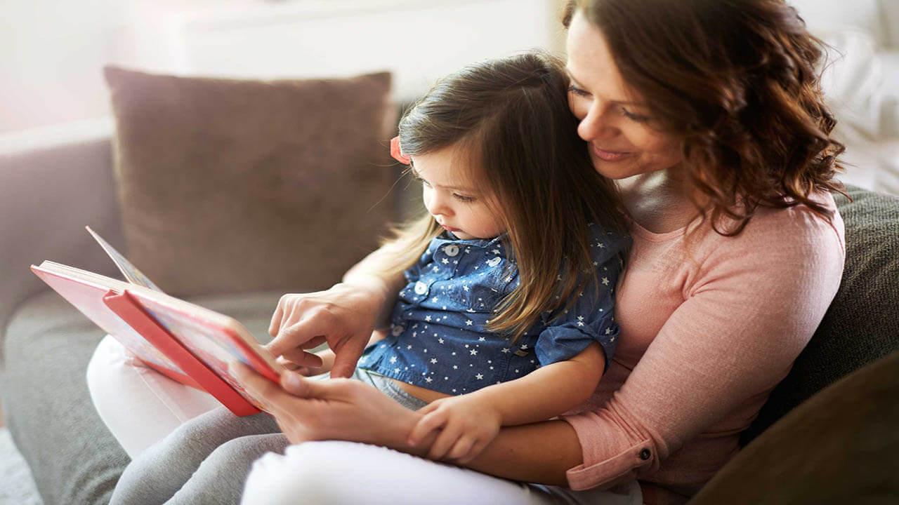 ارتقاء مهارت زبانی کودک با داستان خوانی به کمک والدین!