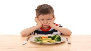 فرزندان والدین افسرده بد غذا هستند نی نی پلاس
