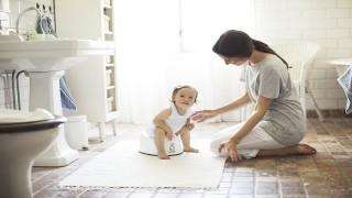 آموزش توالت رفتن به کودکان: چه زمانی مناسب است؟ نی نی پلاس