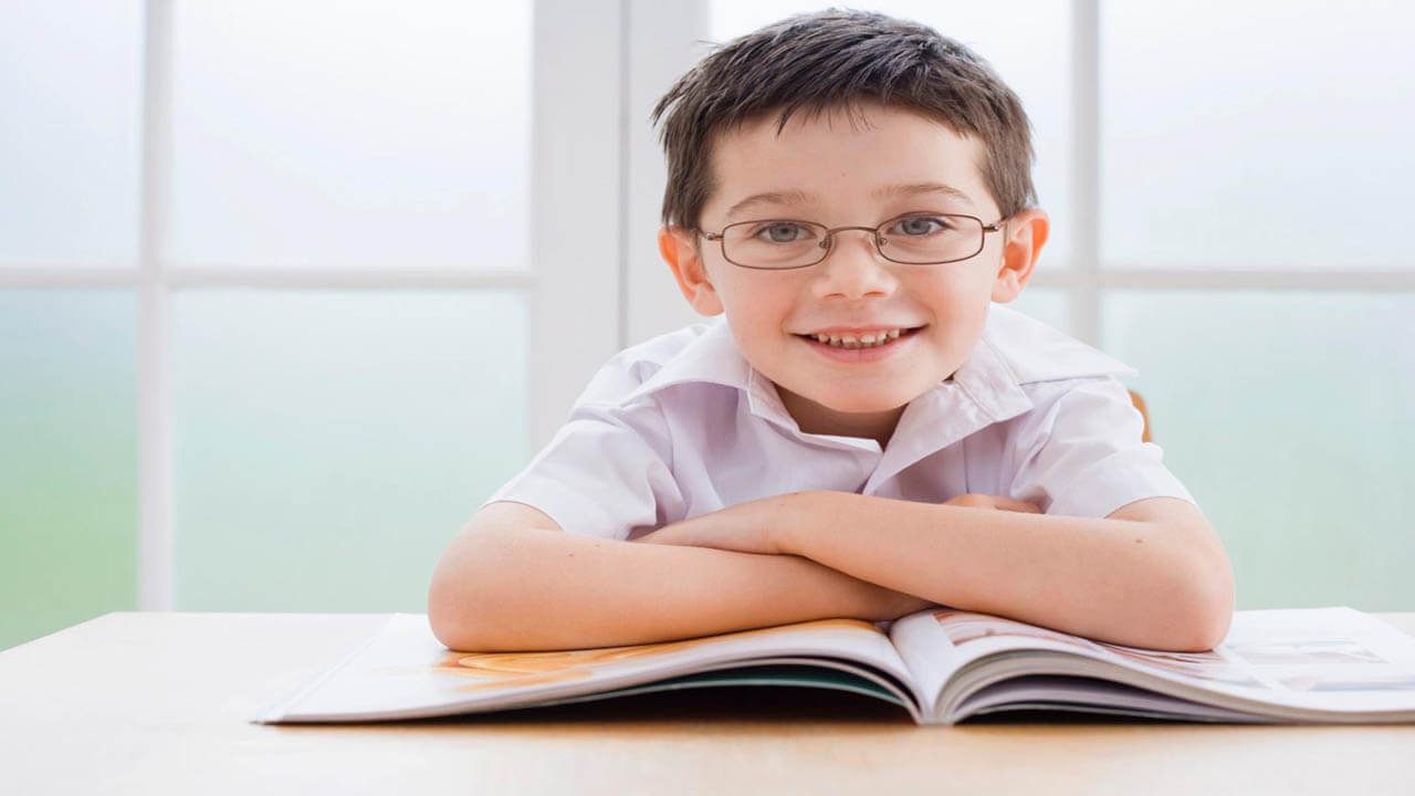 فرزندتان به عینک نیاز دارد؟