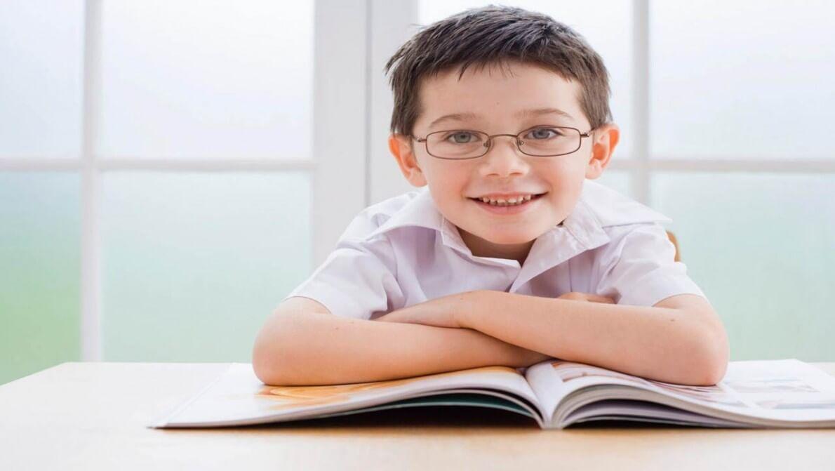 فرزندتان به عینک نیاز دارد؟ نی نی پلاس