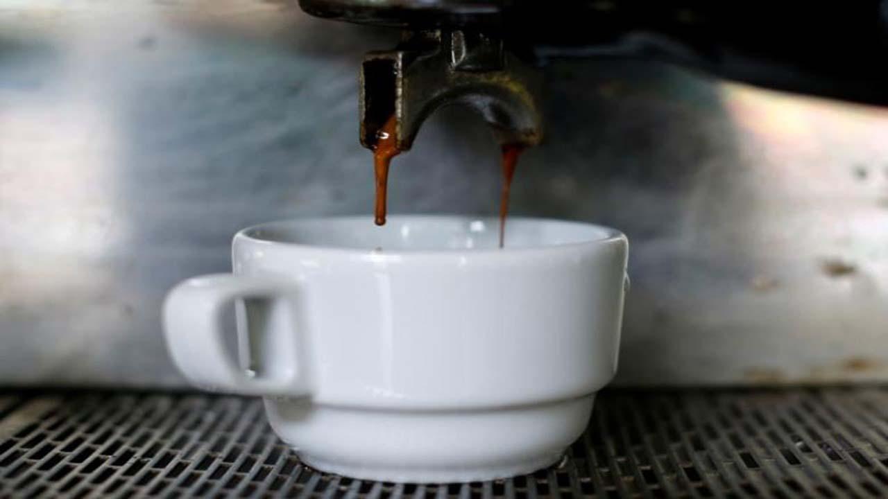 وابستگی پدر به قهوه عامل سقط جنین است | +نی نی