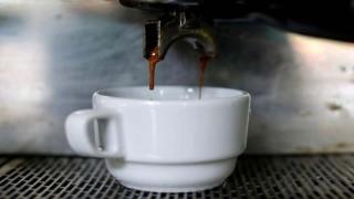 وابستگی پدر به قهوه عامل سقط جنین است نی نی پلاس
