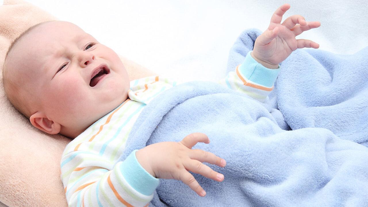 توضیه تندرستی: توصیه هایی درباره یبوست نوزاد | +نی نی