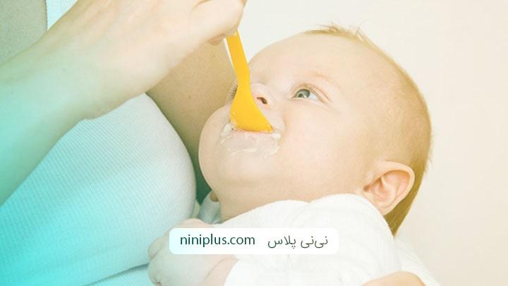 غذای کودک 4 ماهه شامل چه موادی باید باشد؟