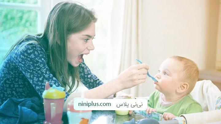 مقدار غذای کودک شش ماهه چقدر باید باشد و شامل چه موادی است؟