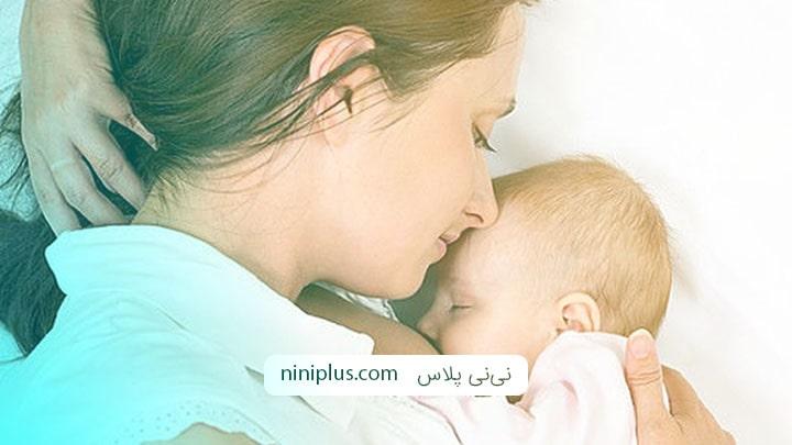 خواب و تغذیه نوزاد در روزهای نخست زندگی