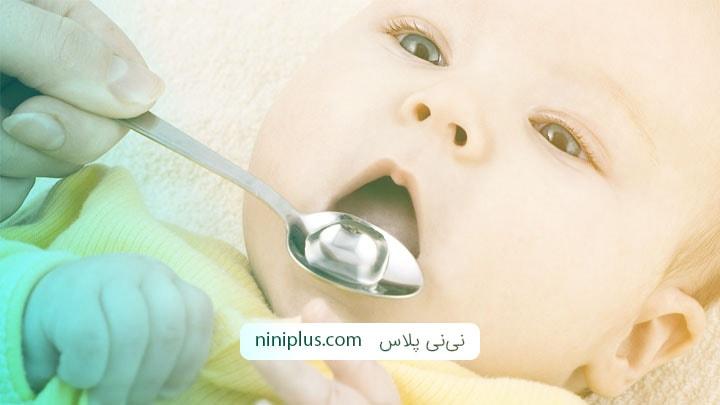 لزوم استفاده از قطره مولتی ویتامین (AD) و آهن در برنامه تغذیه نوزاد