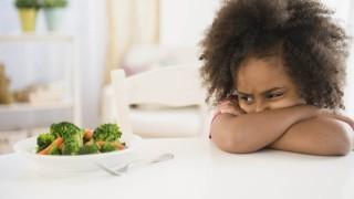 آموختن مصرف سبزیجات به کودکان بد غذا نی نی پلاس