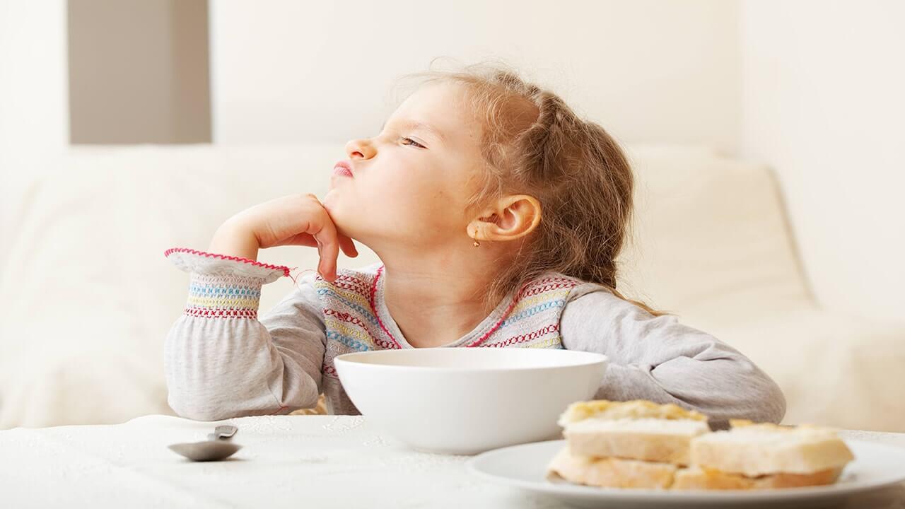 صبحانه نخوردن عامل کمبود مواد مغذی بدن کودکان