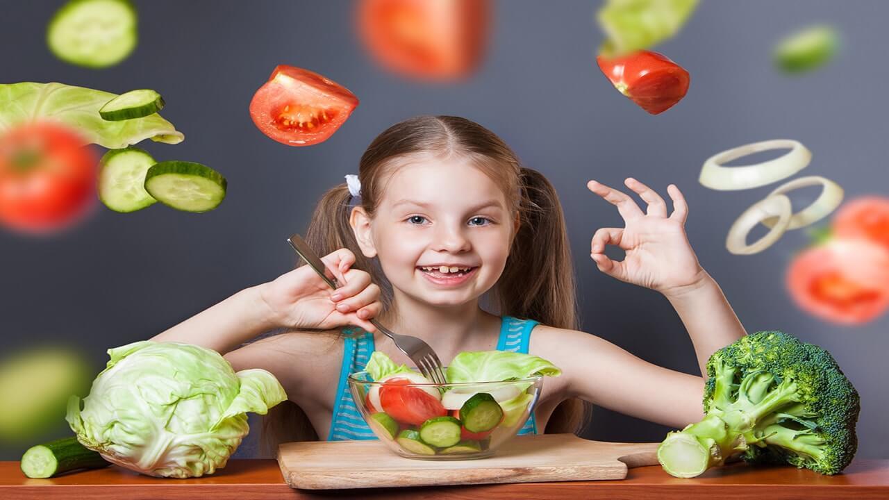عشق به سبزیجات با تغذیه نوزاد با شیر مادر