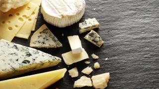 در دوران بارداری پنیر بخورم؟ نی نی پلاس