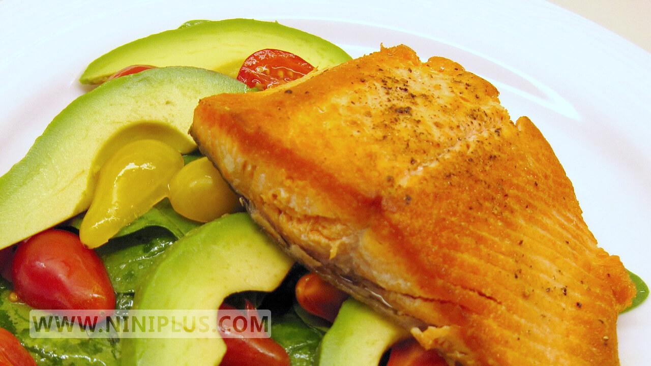 دستور پخت سالاد فیله ماهی و تخم مرغ (فولات،كولین و امگا 3)
