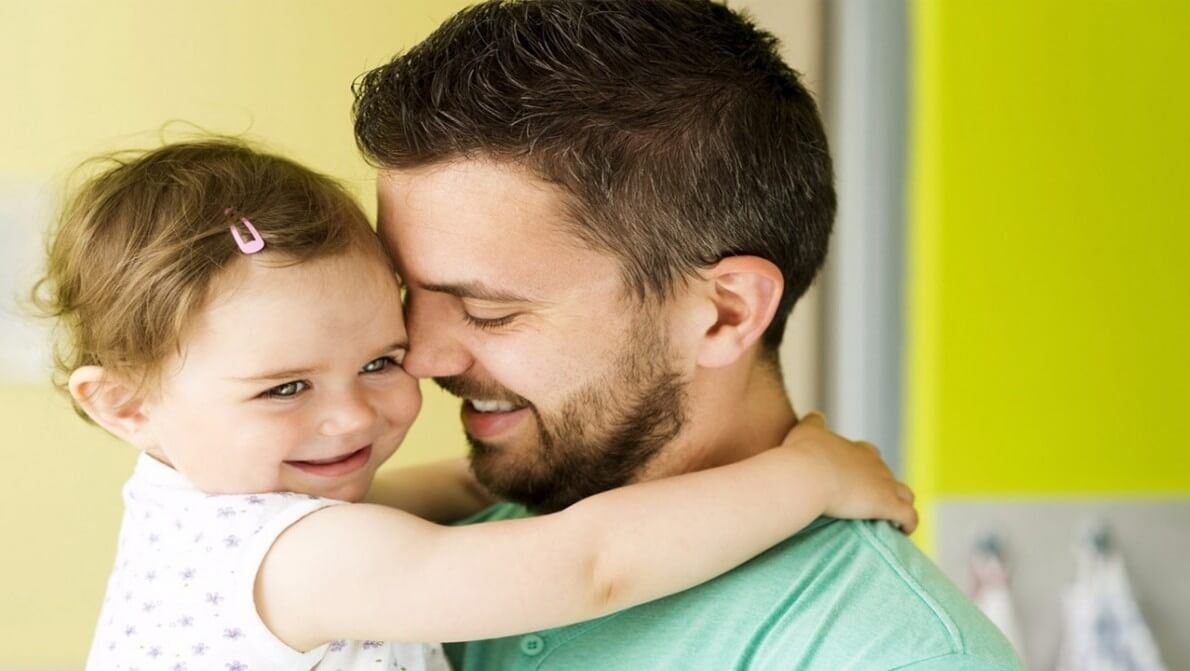 افزایش مهارت های اجتماعی، نتیجه تعامل پدر و نوزاد نی نی پلاس