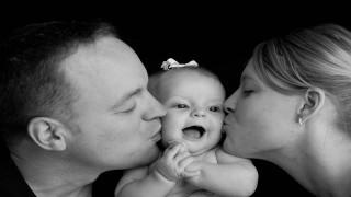 نقش فرزند در روابط والدین و دوستان نی نی پلاس