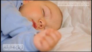 خواب نوزاد نی نی پلاس