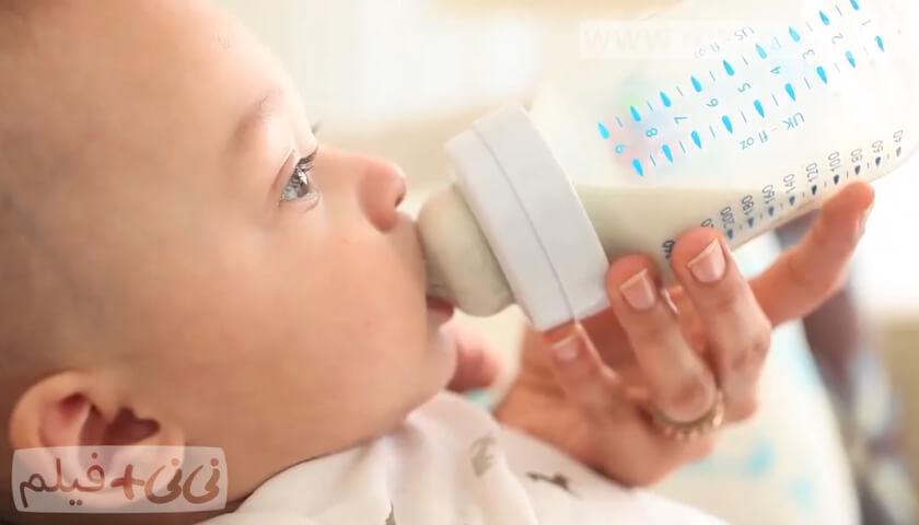 شیردهی با شیشه شیر