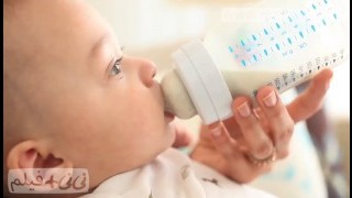 شیردهی با شیشه شیر نی نی پلاس