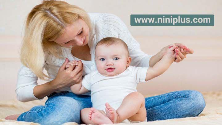 آموزش نشستن به نوزاد (کودک)