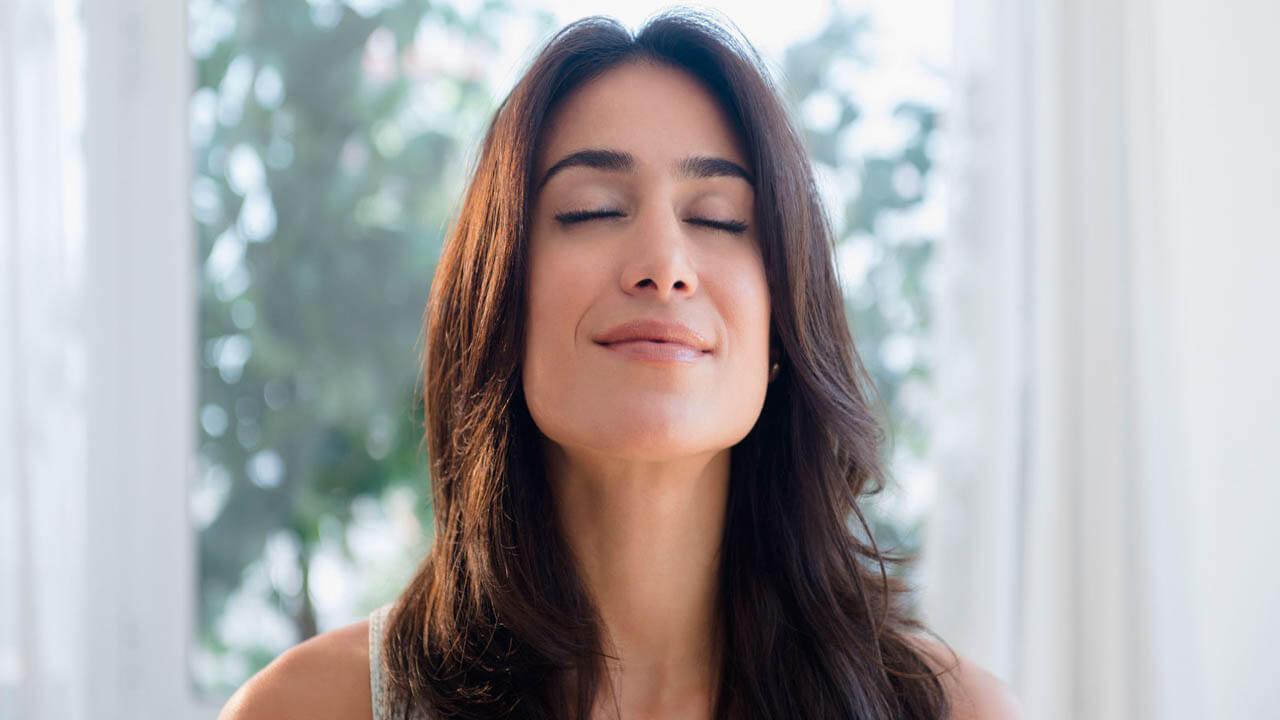 آموزش کنترل و کاهش درد زایمان طبیعی با تنفس صحیح