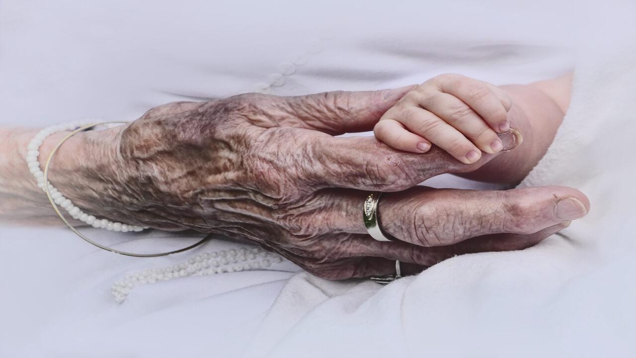 لقاح مصنوعی در زنان سالمند
