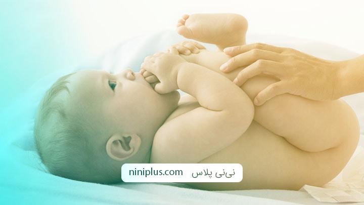 خون در ادرار نوزاد نشانه چیست و چه چیزهایی باید بررسی شود؟