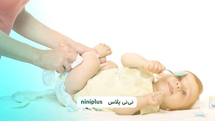 ترشحات واژن در نوزاد دختر آیا طبیعی است؟