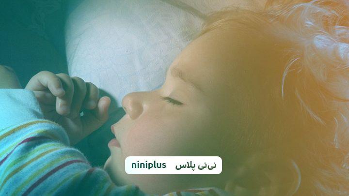 10 راهکار برای کمک به زود خوابیدن کودکان و نوزادان