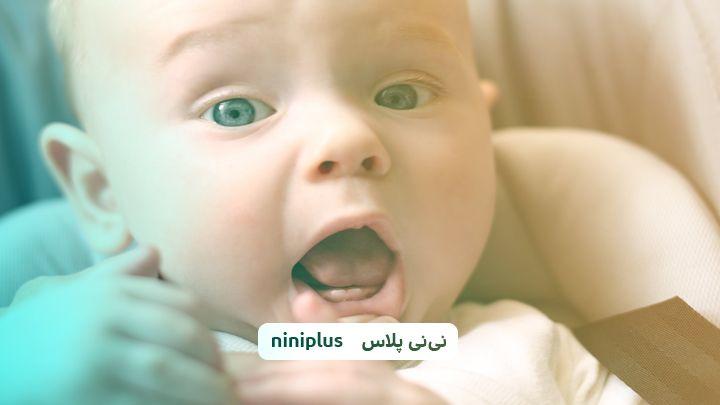 علائم دندان در آوردن نوزاد و نحوه کمک به شیرخوار چیست؟