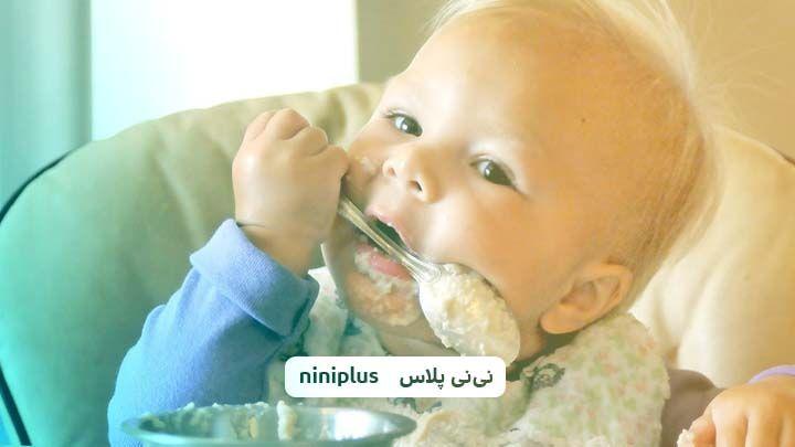 شروع غذای کمکی ،از چند ماهگی میتوان به نوزاد غذای کمکی داد؟