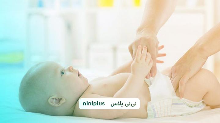 زمان تعویض پوشک نوزاد هر چند ساعت است و نکات کاربردی